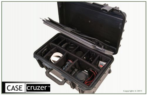 Photo StudioCruzer PSC100 Carry-On Case with Padded Dividers and Universal Laptop Sleeve